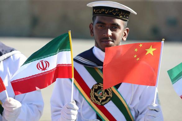 Iran khoe cùng Nga, Trung Quốc tạo tam giác quyền lực trên biển - Ảnh 4.