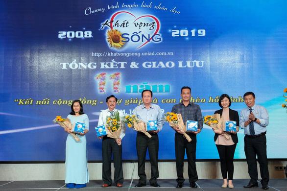 Tôn Tân Phước Khanh đồng hành cùng cộng đồng - Ảnh 2.