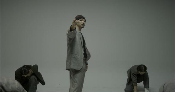 Hà Lê kết hợp Biển nhớ của nhạc sĩ Trịnh Công Sơn với rap, múa đương đại - Ảnh 5.