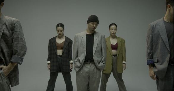 Hà Lê kết hợp Biển nhớ của nhạc sĩ Trịnh Công Sơn với rap, múa đương đại - Ảnh 4.