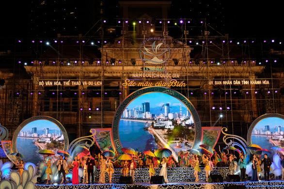 Ninh Bình đăng cai Năm du lịch quốc gia 2020 - Ảnh 1.