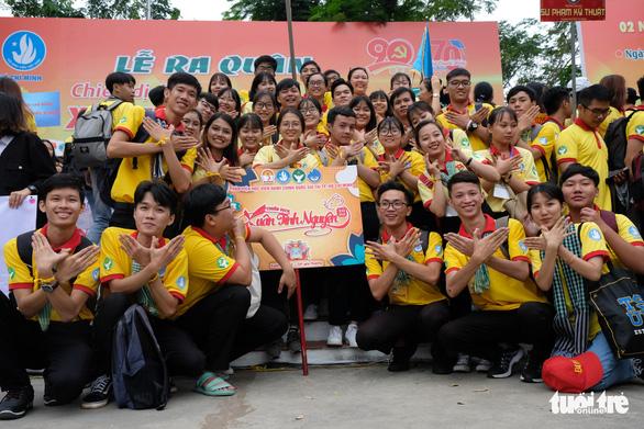 2.000 bạn trẻ khởi động Xuân tình nguyện - Ảnh 7.