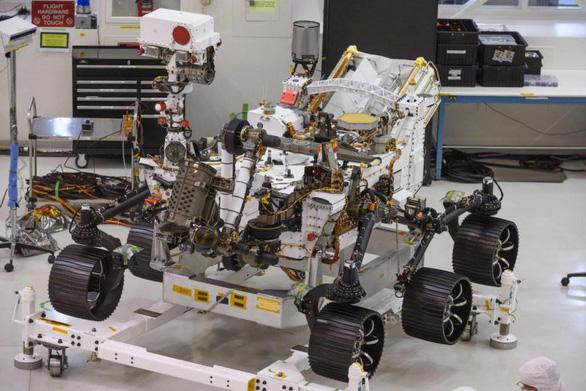 NASA ra mắt xe tự hành Mars 2020, chuẩn bị đưa  người lên sao Hỏa - Ảnh 1.