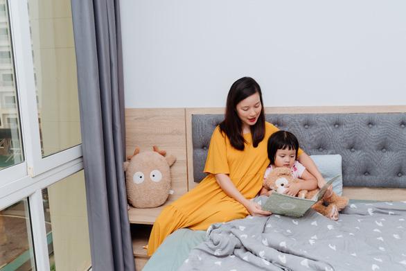 MC Minh Trang chia sẻ cách vượt qua chuỗi ngày chăm con ốm sốt - Ảnh 3.