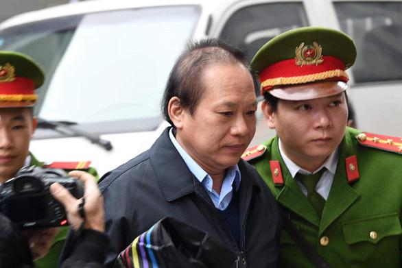 Ông Nguyễn Bắc Son lãnh án chung thân, ông Trương Minh Tuấn 14 năm tù - Ảnh 4.