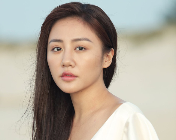 Giới giải trí bảo vệ mạnh mẽ Văn Mai Hương trong vụ lộ clip riêng tư - Ảnh 1.