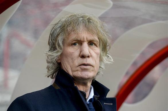 Văn Hậu bị cựu HLV Heerenveen bất ngờ chê bai - Ảnh 1.