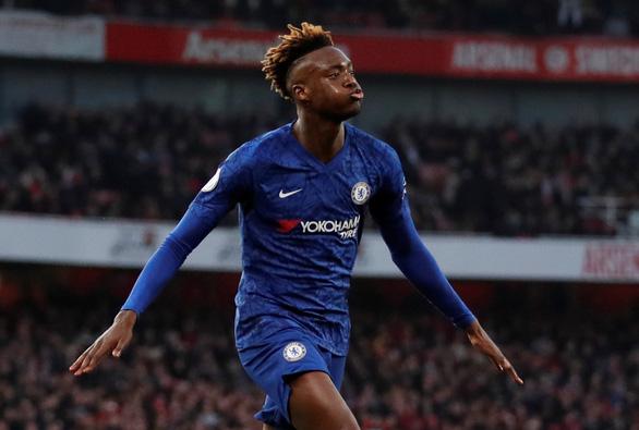 Bốn phút bùng nổ, Chelsea thắng ngược kịch tính Arsenal trên sân Emirates - Ảnh 3.