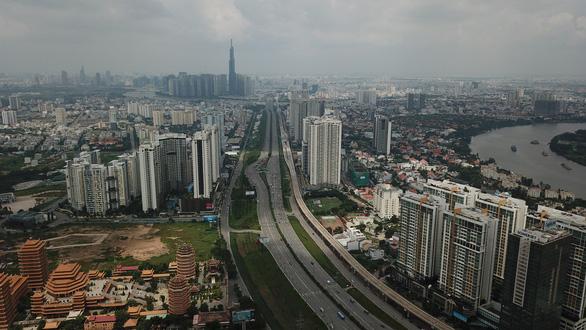 GRDP TP.HCM tăng 8,32%, thu hút vốn FDI trên 8,3 tỉ USD - Ảnh 2.