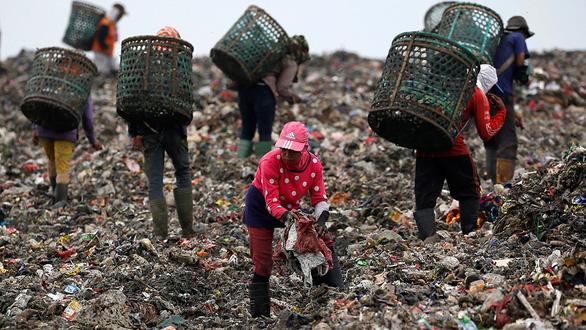 Đông Nam Á cùng Trung Quốc gây ô nhiễm nhựa nhiều nhất cho đại dương - Ảnh 1.