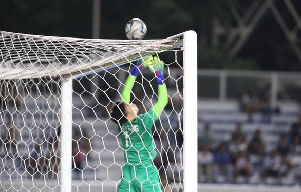 Sai lầm của Bùi Tiến Dũng và bản lĩnh bóng đá Việt Nam - Ảnh 2.