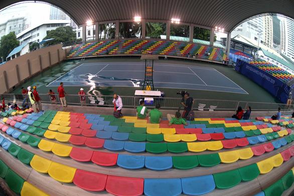 Quần vợt SEA Games bị hoãn 4 lần vì trời mưa bão - Ảnh 6.