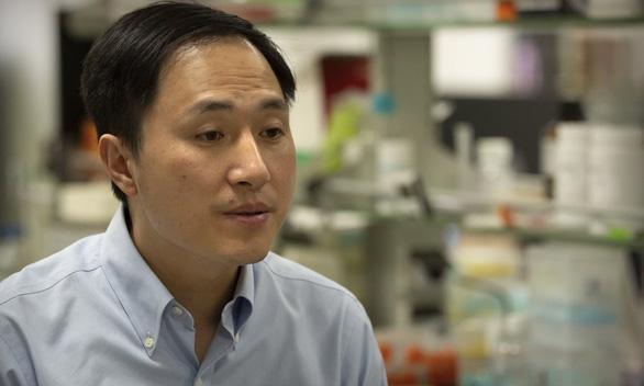 Nhà khoa học tạo hai em bé chỉnh sửa gen bị phạt 3 năm tù - Ảnh 1.