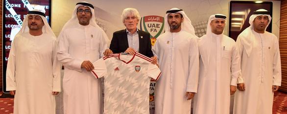Tân HLV tuyển UAE muốn thắng tất cả các trận còn lại ở vòng loại World Cup - Ảnh 1.