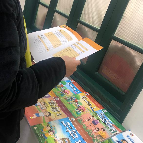 Bộ GD-ĐT đề nghị các nhà xuất bản cung cấp thông tin để chọn sách giáo khoa - Ảnh 1.