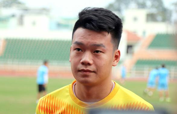 Trung vệ Thành Chung: Trọng Hùng sẽ thi đấu tốt nếu được giao đá hậu vệ phải - Ảnh 1.