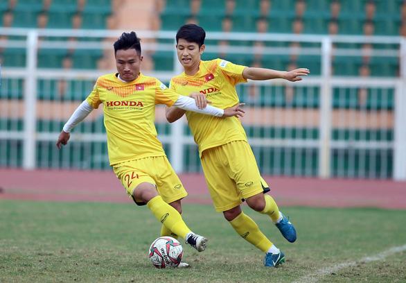 Trung vệ Thành Chung: Trọng Hùng sẽ thi đấu tốt nếu được giao đá hậu vệ phải - Ảnh 2.