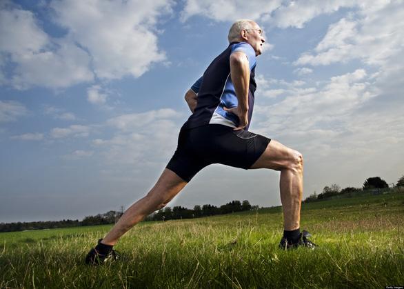 Mắc bệnh nan y nên không buồn tập thể dục? - Ảnh 2.