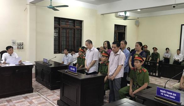 Gian lận thi cử: Kỷ luật phó chủ tịch HĐND tỉnh và phó trưởng đoàn ĐBQH Hà Giang - Ảnh 1.