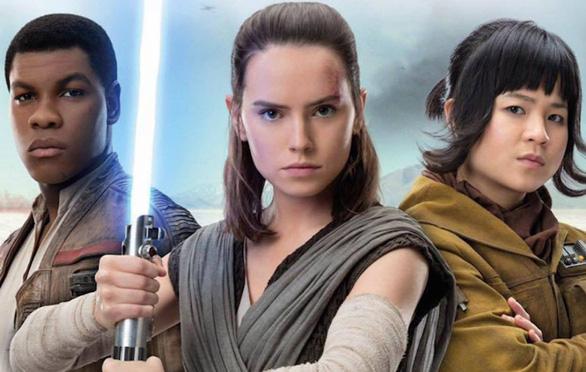 Khán giả Mỹ phẫn nộ vì diễn viên gốc Việt chỉ xuất hiện 1 phút trong Star Wars - Ảnh 2.