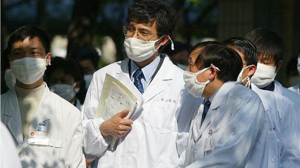 Từ vụ nữ bác sĩ bị đâm chết, Trung Quốc ban hành luật bảo vệ nhân viên y tế - Ảnh 1.