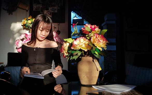 Sống trong ngôi nhà hoa xứ Huế như thấy cuộc đời sang trang - Ảnh 3.