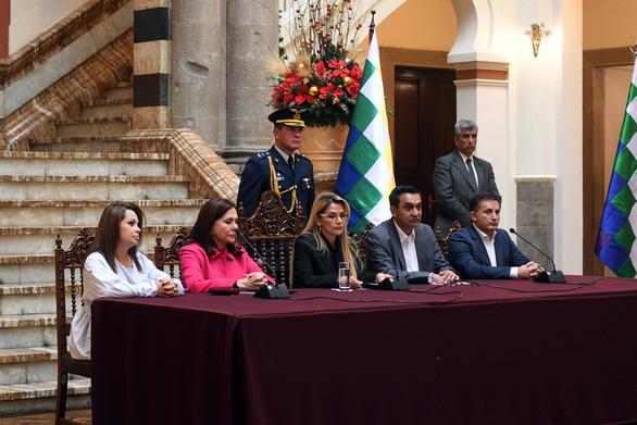 Bolivia trục xuất đại sứ Mexico và các nhà ngoại giao Tây Ban Nha - Ảnh 1.