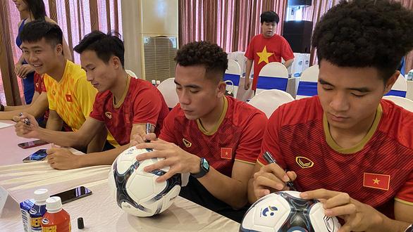 Sang Thái chuẩn bị VCK U23 châu Á, U23 Việt Nam đầy quyết tâm - Ảnh 6.