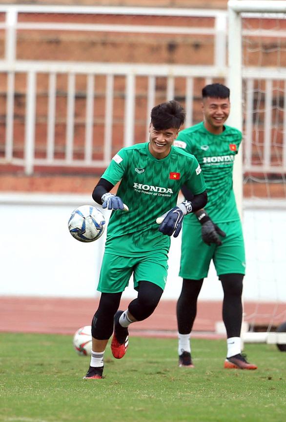 Sang Thái chuẩn bị VCK U23 châu Á, U23 Việt Nam đầy quyết tâm - Ảnh 7.