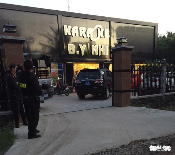 Gần 30 nam nữ thuê quán karaoke tổ chức tiệc ma túy tập thể - Ảnh 3.