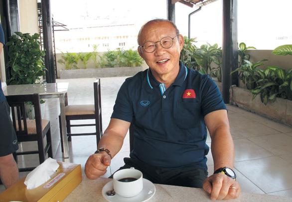 Ông Park Hang Seo muốn sống bình thường vì hiểu sự nổi tiếng đem lại điều gì - Ảnh 1.