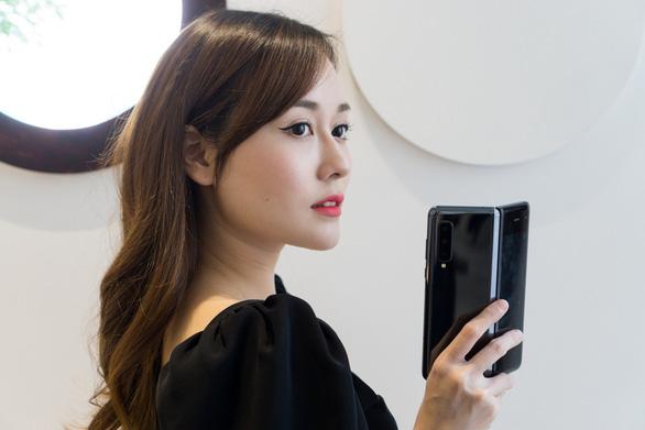 Hành trình kiến tạo smartphone màn hình gập - Ảnh 1.