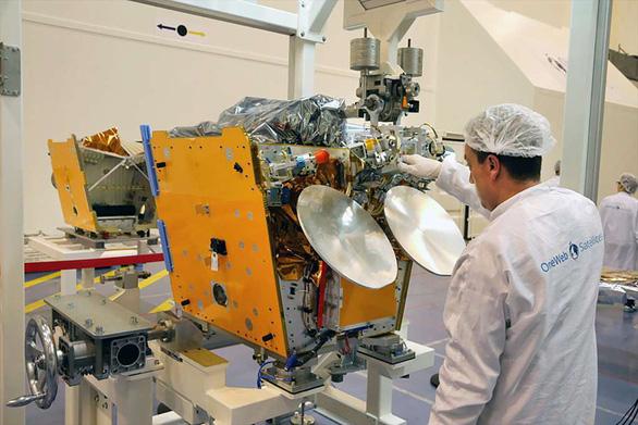 Internet sẽ phủ không sót chỗ nào với 20.000 vệ tinh bao bọc hành tinh - Ảnh 4.