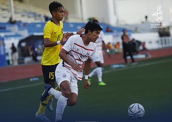 Thắng Malaysia, U22 Campuchia vào bán kết SEA Games 2019 - Ảnh 1.