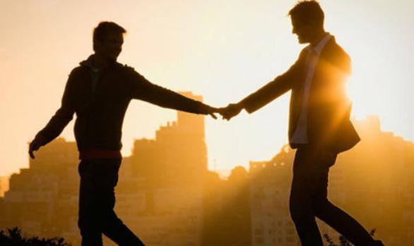 Đồng tính, có HIV vẫn vỡ òa hạnh phúc bên bạn tình 'bình thường' - Ảnh 1.