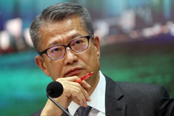 Hong Kong tung 511 triệu USD cứu nền kinh tế suy thoái vì biểu tình - Ảnh 1.