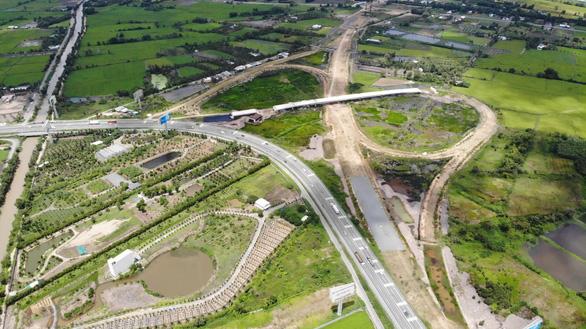 Dự án cao tốc Trung Lương - Mỹ Thuận thi công không nghỉ Tết - Ảnh 3.