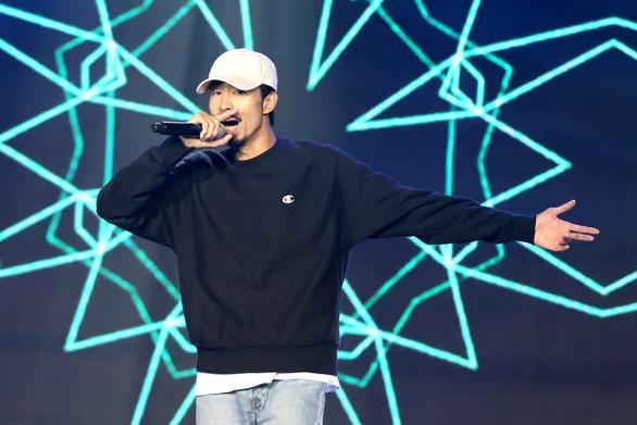 Đen là nghệ sĩ Việt Nam được nghe nhiều nhất 2019 trên Spotify - Ảnh 1.