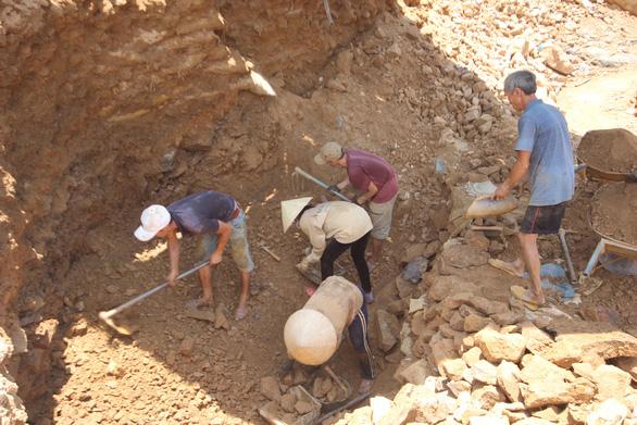 Doanh nghiệp lấy đi hàng tấn vàng, tỉnh phải chi 12 tỉ đồng đóng cửa mỏ - Ảnh 3.