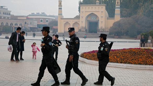 Trung Quốc triệu quan chức sứ quán Mỹ tới phản đối dự luật về người Duy Ngô Nhĩ - Ảnh 1.