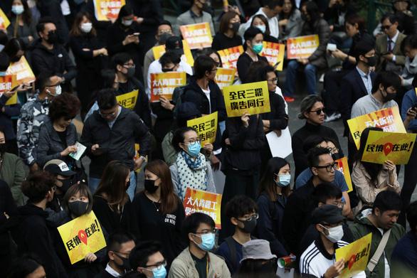 Hong Kong bật đèn xanh cho cuộc biểu tình lớn cuối tuần - Ảnh 1.