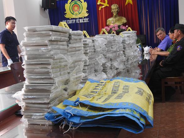 Phá đường dây ma túy 446 bánh heroin do người Đài Loan cầm đầu - Ảnh 1.