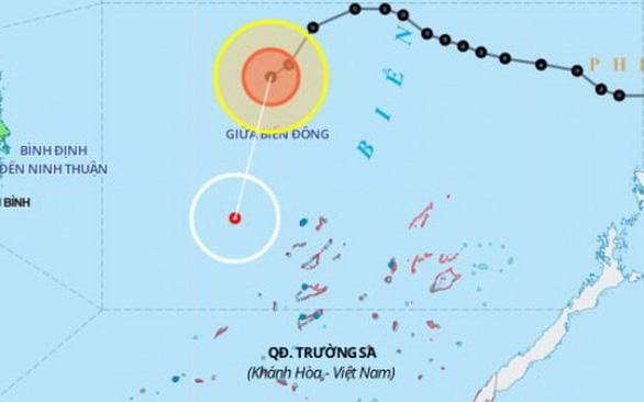 Bão suy yếu thành áp thấp, biển Quảng Trị - Cà Mau gió giật cấp 7 - Ảnh 1.