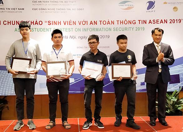 ĐH Duy Tân đoạt giải ba cuộc thi sinh viên với an toàn thông tin ASEAN 2019 - Ảnh 1.