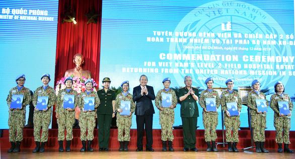 Bộ Quốc phòng ra mắt bệnh viện dã chiến tham gia gìn giữ hòa bình quốc tế - Ảnh 1.