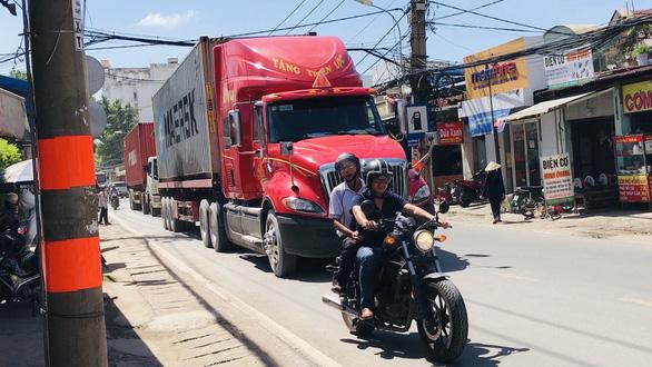 TP.HCM mở rộng đường Nguyễn Duy Trinh để xóa điểm đen tai nạn giao thông - Ảnh 1.