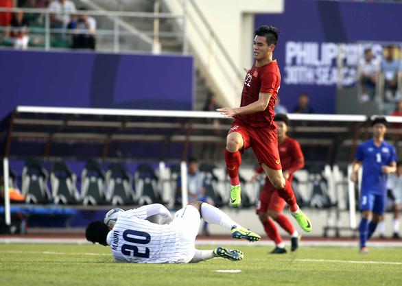 Câu nói của ông Park khiến U22 Việt Nam bị dẫn trước 2 bàn đã siết chặt tay nhau - Ảnh 2.