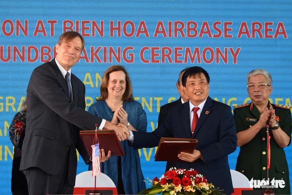Bắt đầu tẩy rửa điểm nóng dioxin lớn nhất ở Việt Nam - Ảnh 7.