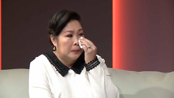 Hồng Vân khóc sưng mắt trong Mẹ tuyệt vời nhất - Ảnh 3.