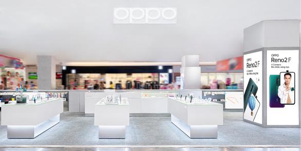 Thấy gì sau kế hoạch mở rộng hệ thống OPPO Shop - Ảnh 1.